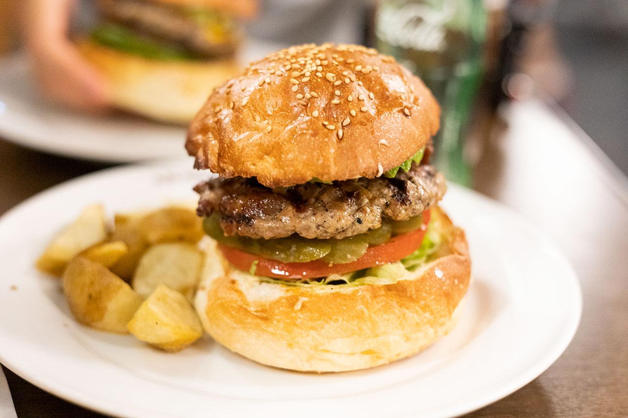 エーエスクラッシクスダイナーのハンバーガー