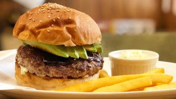武蔵小山「シェリーズバーガー」のテリヤキアボカドバーガーがうまい!生姜の香りのする絶品ハンバーガー!