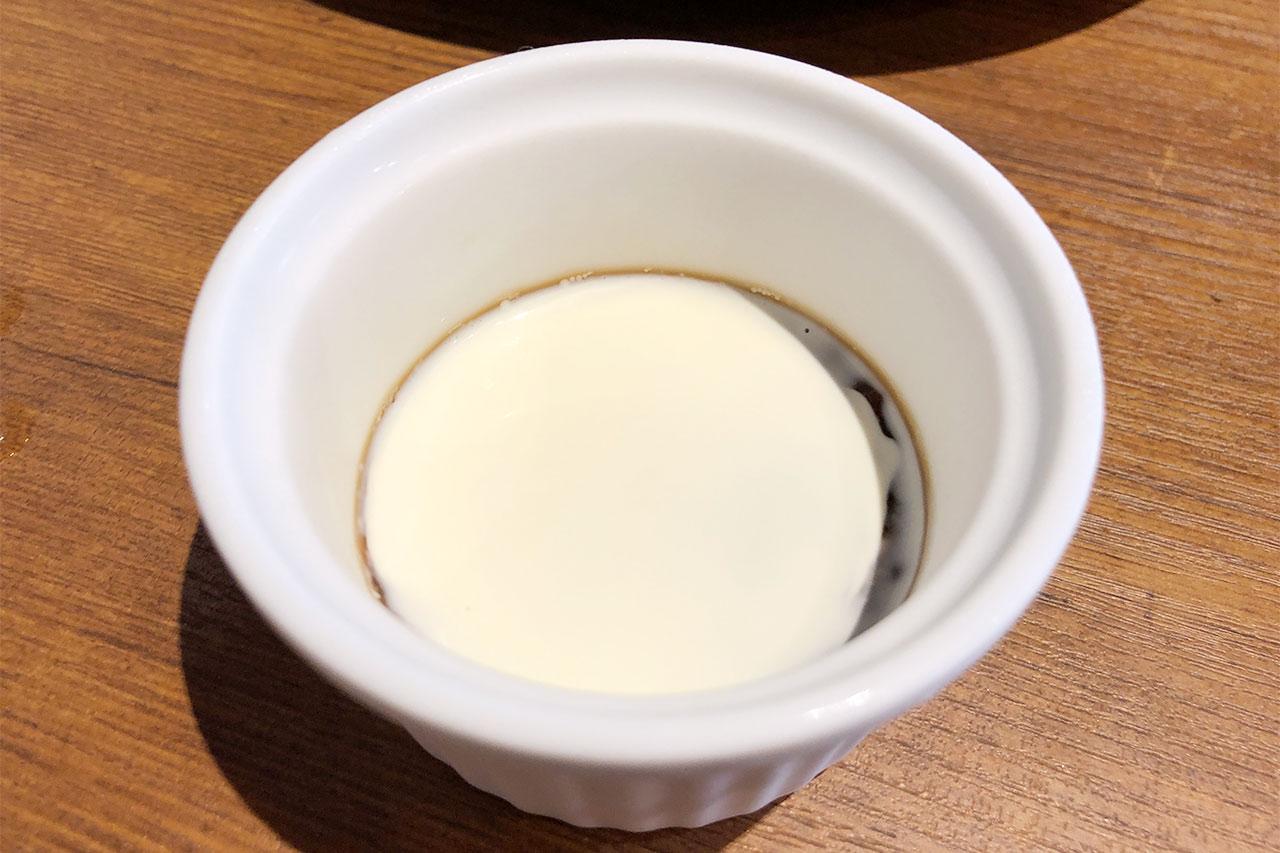 馬車道「洋食 Sakura」のランチデザートのミニコーヒーゼリー