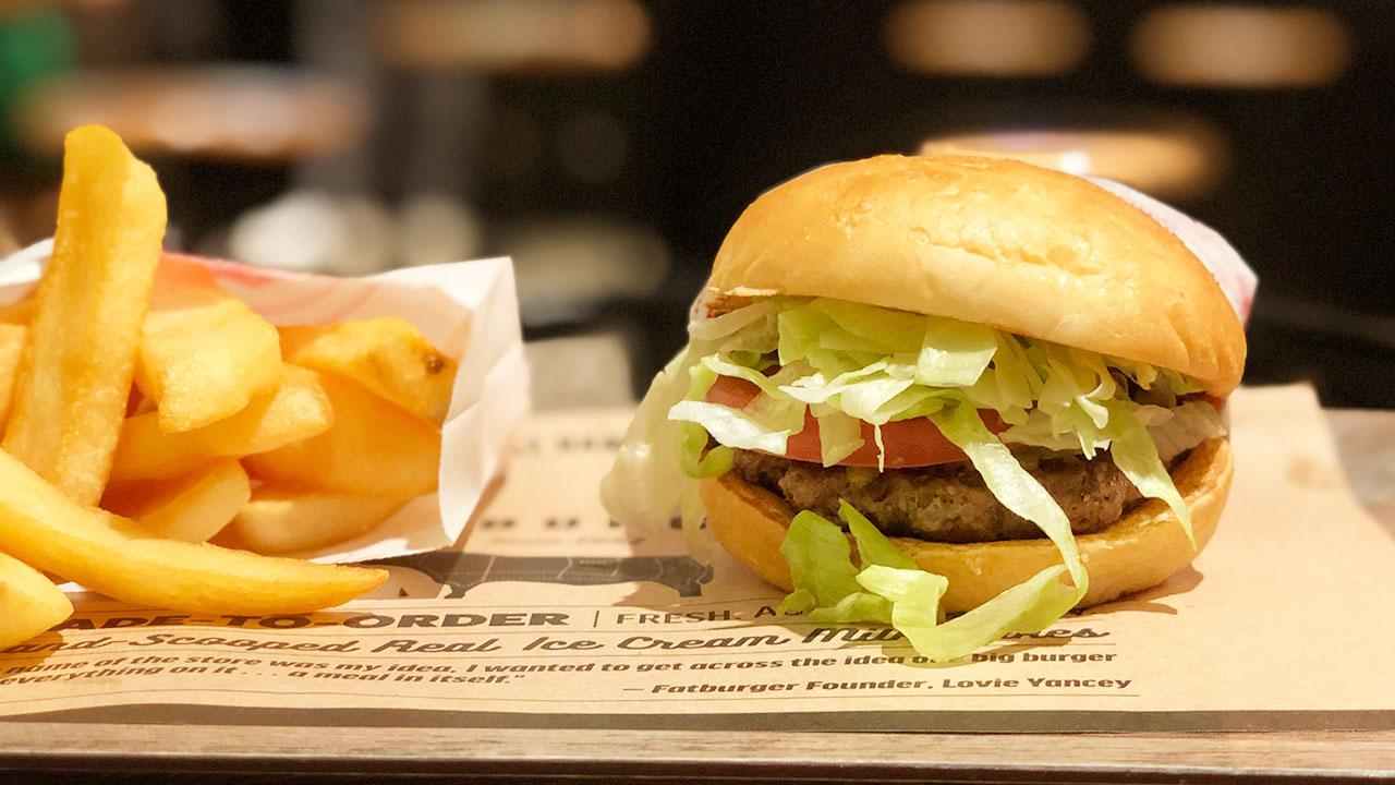 渋谷にある「FATBURGER(ファットバーガー)」でジャンクなハンバーガーをいただきました
