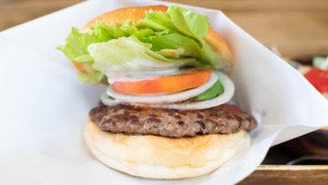 代々木「バーガーズベース」のハンバーガーの味付けがうまい!バランスの良いハンバーガー!