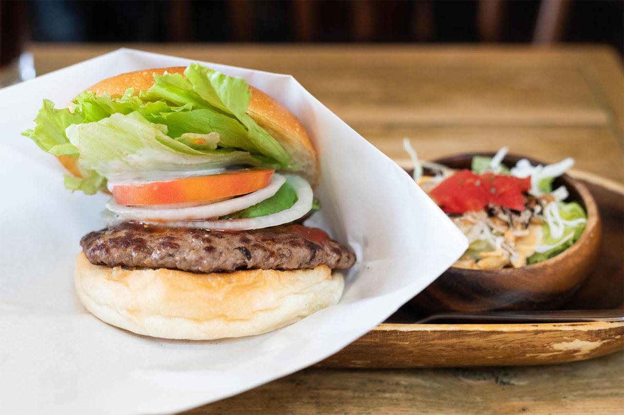バーガーズベースのハンバーガー