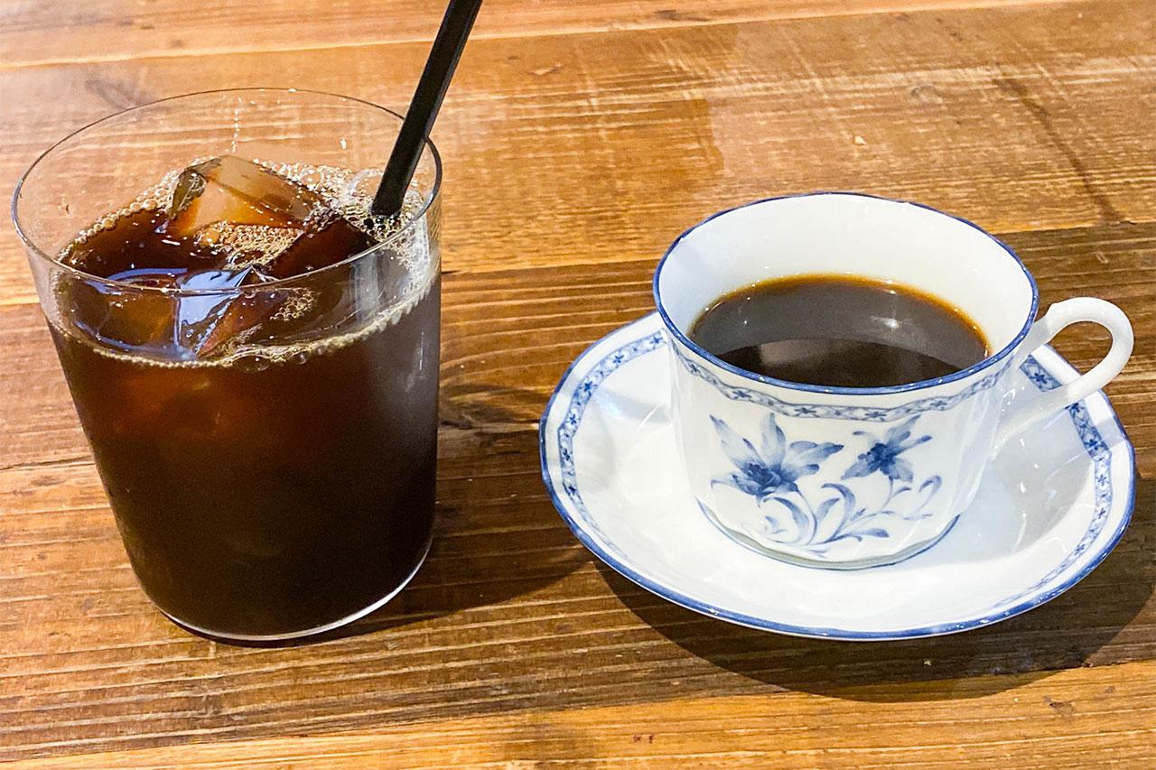 emeのアイスコーヒーとホットコーヒー