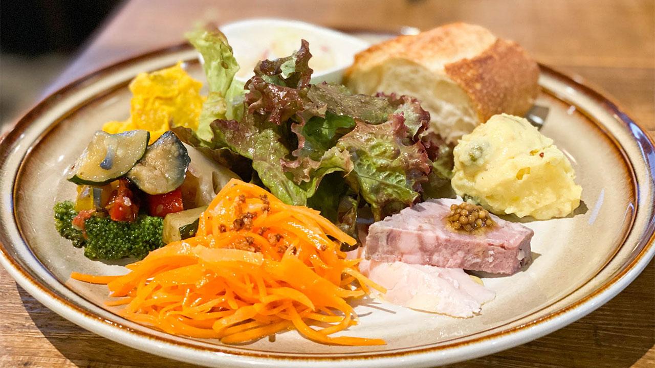 武蔵小山のビストロ「eme(エメ)」のプレートランチがうまかった!多種多様なデリが食べられる!