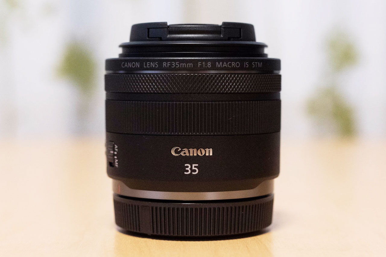 RF35mm F1.8 MACRO IS STMを正面から