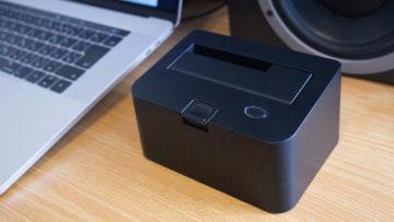 動画の保存先として、内蔵HDDを外付けHDD化できる「裸族のお立ち台」が便利!