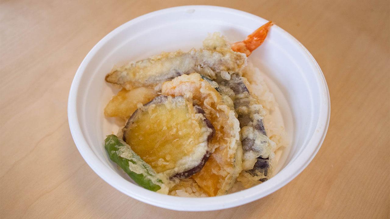 武蔵小山の蕎麦屋「ちりん」のテイクアウトできる天丼・とり天タルタル丼がうまい!