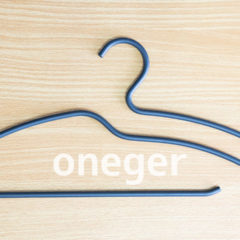 引き出しをなくすハンガー「oneger」がデザインも機能も満足度の高いハンガーだった!