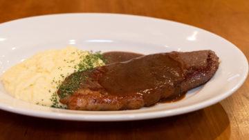 西小山「イタリア料理Y」のランチでいただいた低温調理したサーロインステーキがおいしかった!