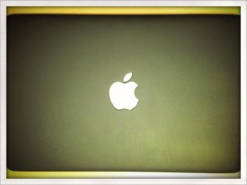 MacBook Air 11インチにかぶせるタイプのケースを買いました