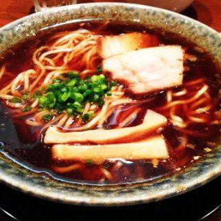 大倉山にある古式醤油ラーメン鶴亀がここでしか食べれない系の味でもう一回行きたい