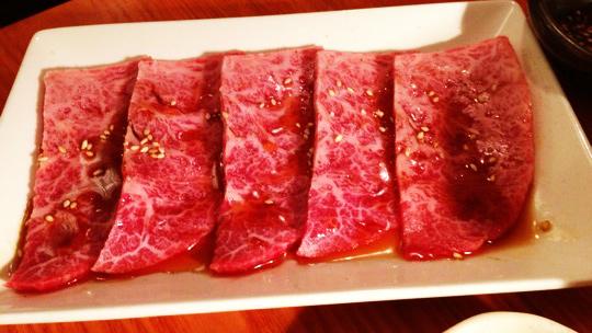 渋谷の道玄坂の裏道にある「焼肉バル 韓の台所」がうまくて接客良くて通いそうな勢いです